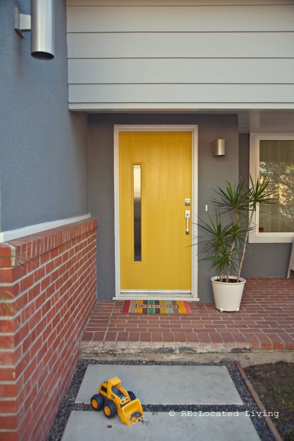 Best Grey House Yellow Door Painting Ideas