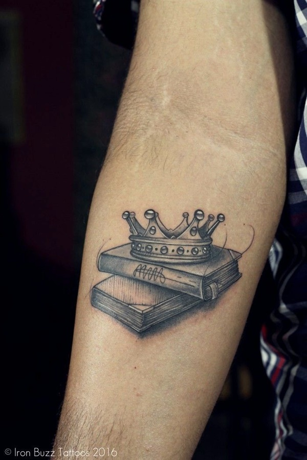 40 Best Small Tattoo Designs For Men With Meaning Buzz Hippy