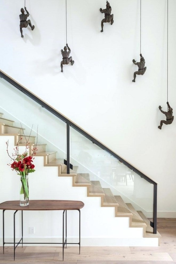 37 Stylish Stair Wall Decoration Designs And Ideas Buzz Hippy